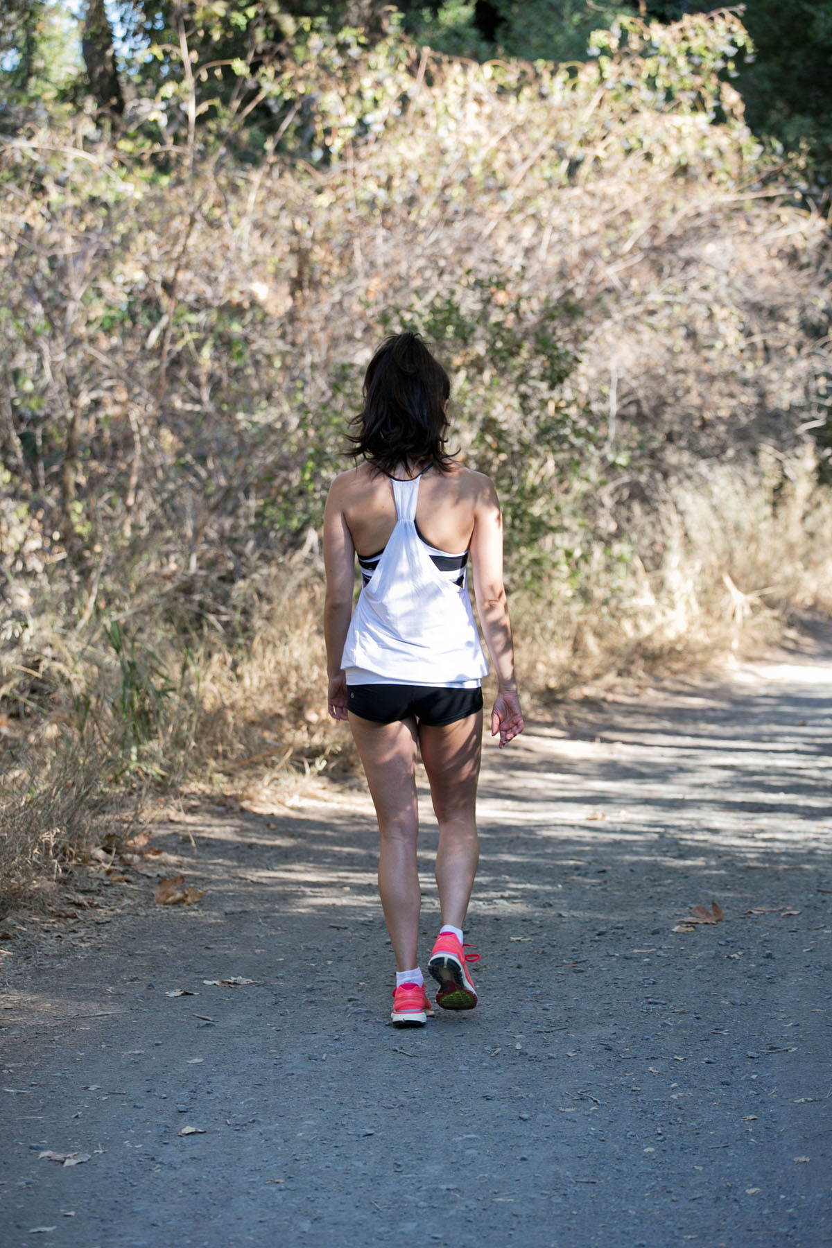 la hikes, los angeles hikes, hiking la, lululemon top, lululemon shorts, nike pink shoes, ponytail, fitness blog, la model, camille newbern, the la survival guide, la survival guide - Hiking Benefits by popular Los Angeles blogger The LA Survival Guide