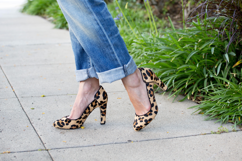 kelly wearstler, leopard heels, baseball tee, la model, style blog, wanderlust, travel blog, boyfriend jeans - tomgirl at heart by popular LA style blogger The LA Survival Guide