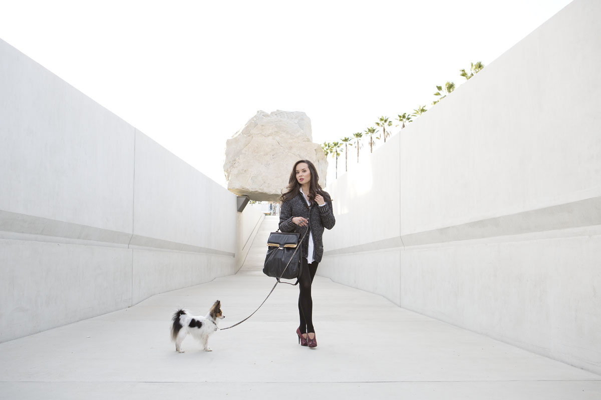 thanksgiving outfits women, camille newbern, the la survival guide, how to look stylish on thanksgiving, la survival guide, los angeles style, los angeles fashion, shopping la, shopping los angeles, papillon, lacma, lacma rock, rag and bone cardigan, grey womens cardigan, uniqlo tights, uniqlo leggings, costume national shoes, costume national heels, red pumps, drybar blowout, white oversized shirt, white womens button down, phillip lim purse, phillip lim bag, oversized black purse, modeling los angeles, model la